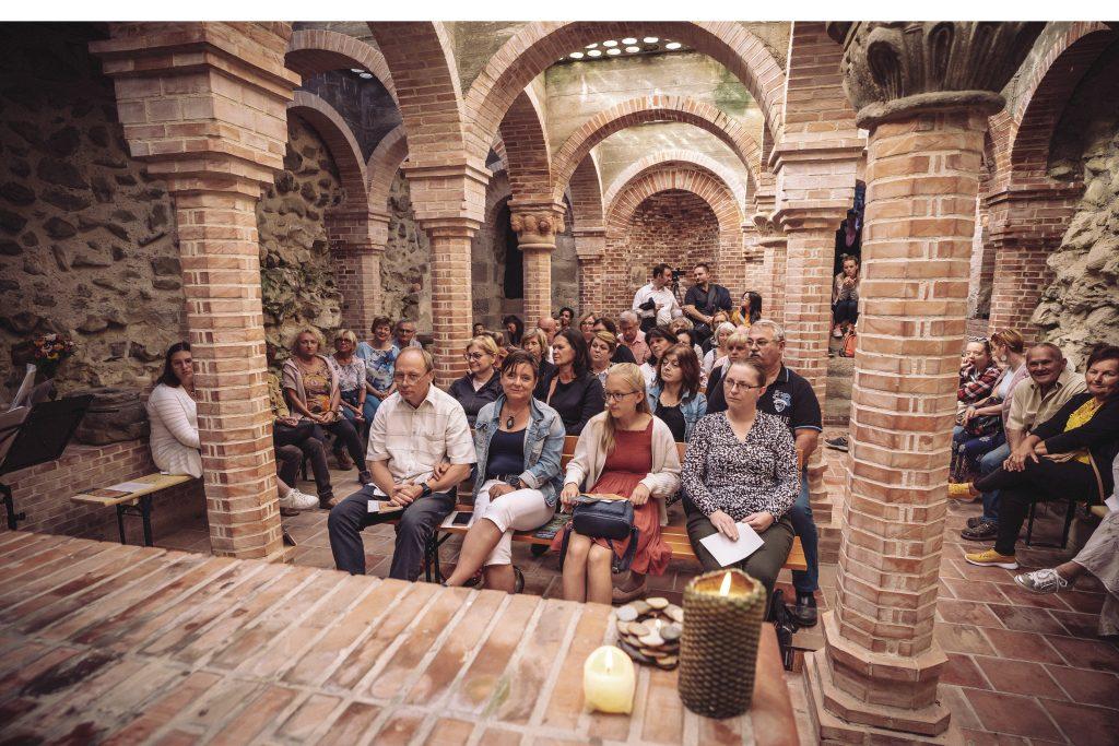Különleges élmény az 1000 éves templomban